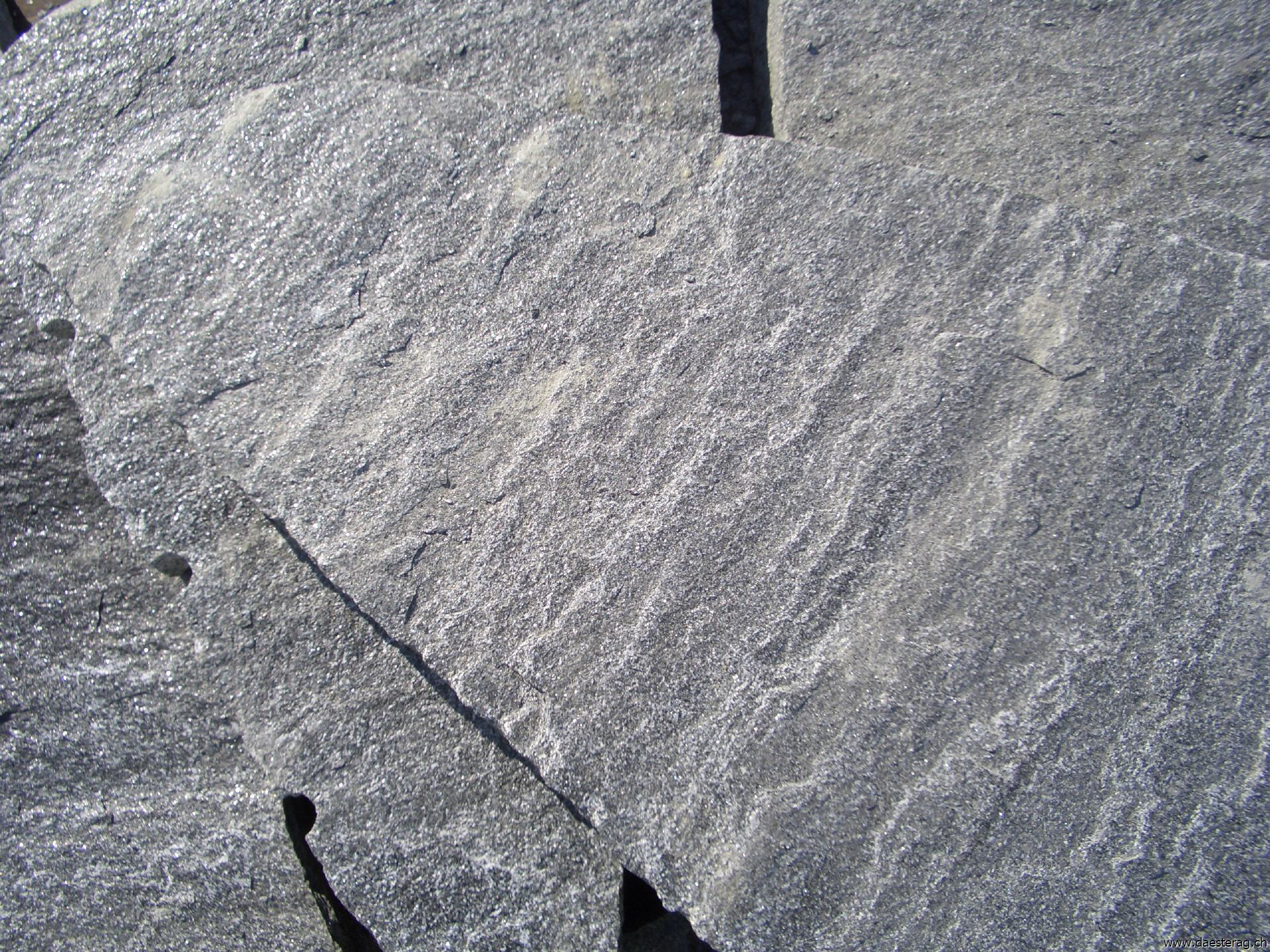 mosaikplatten - oberfläche gespalten